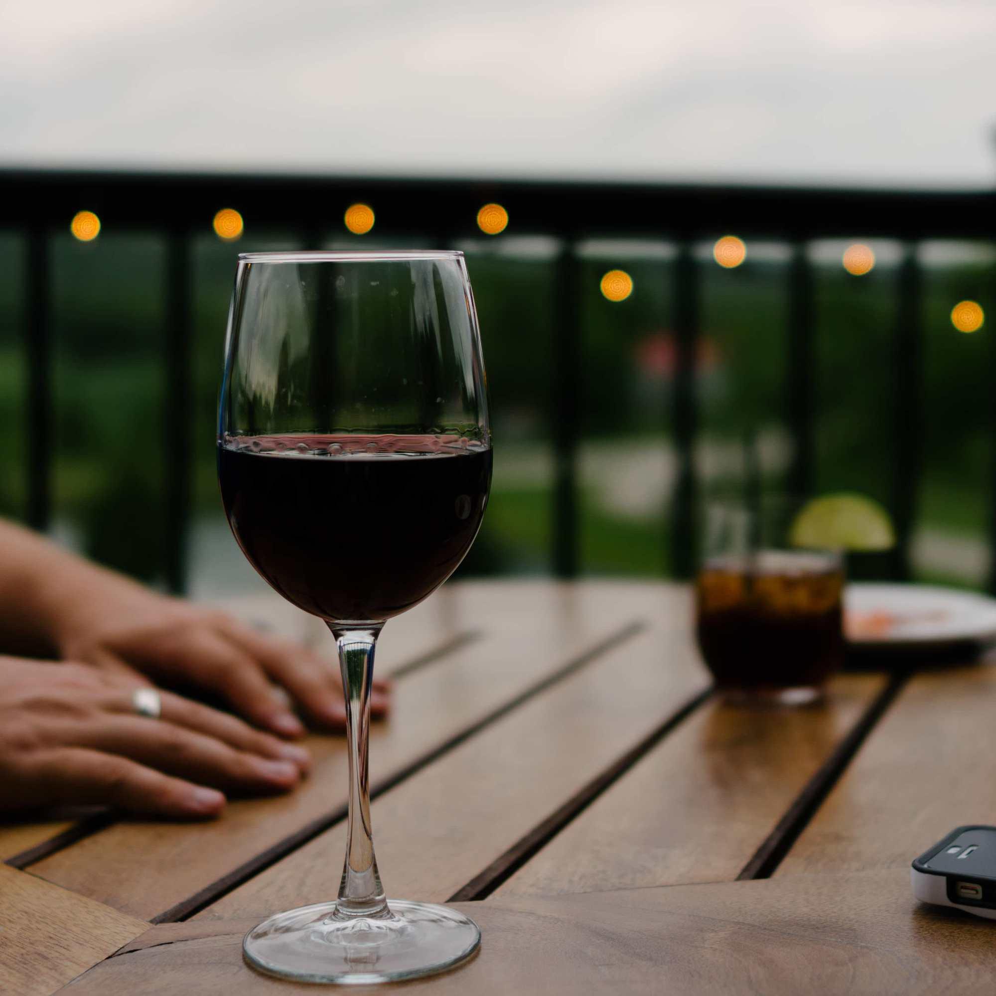 C Mo Quitar Manchas De Vino Tinto De La Ropa Lavamatica Soler  ~ Como Quitar Las Manchas De Vino Tinto